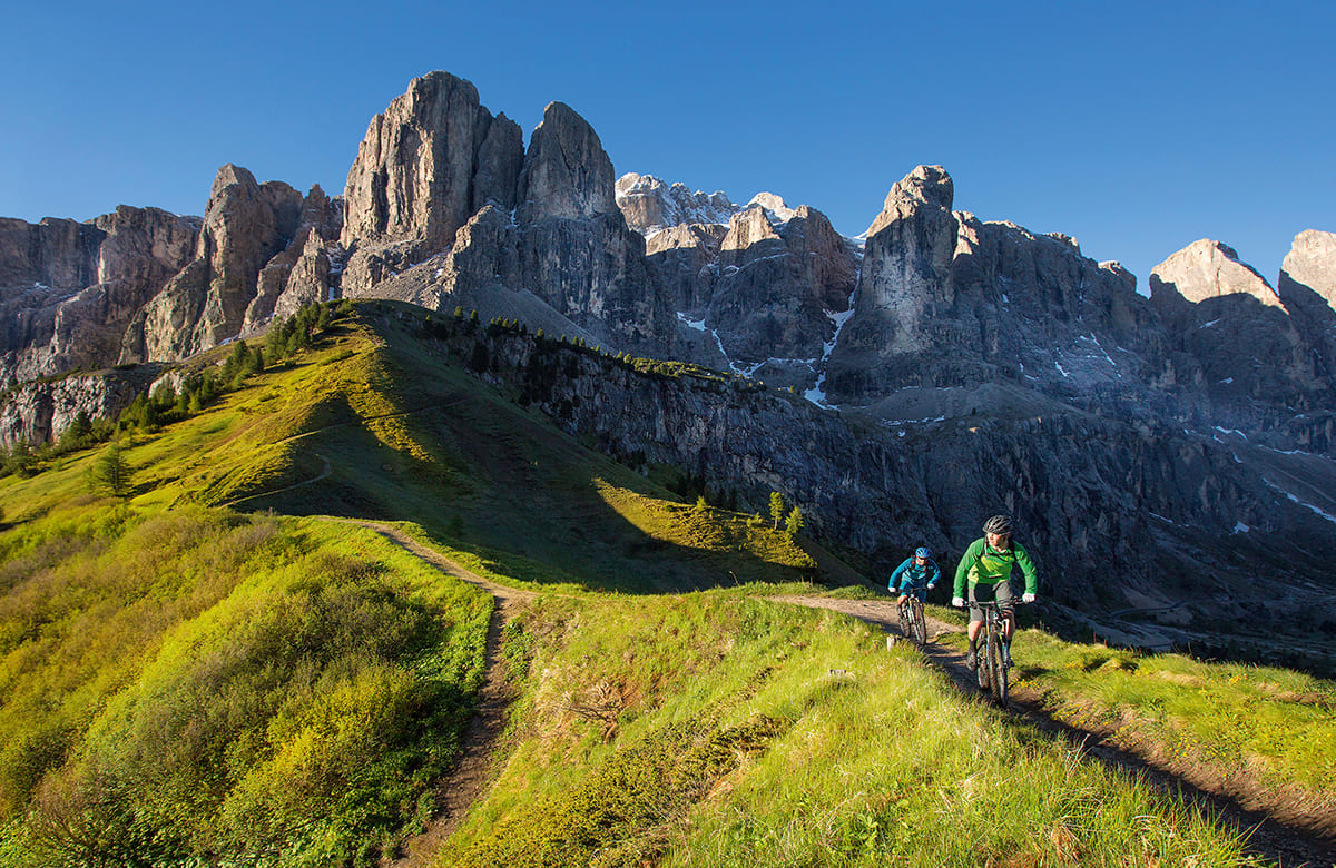 Antermejes Chalet | Mountain biking in the Dolomites